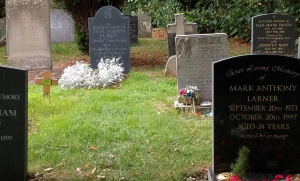 20180918 mark larner's grave